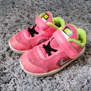 Size 7 toddler Nike Revolution 3 Shoes